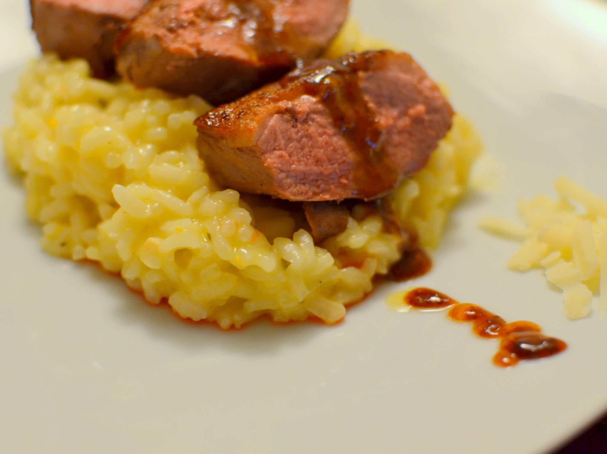 Magret de canard com redução de Porto e risotto de laranja