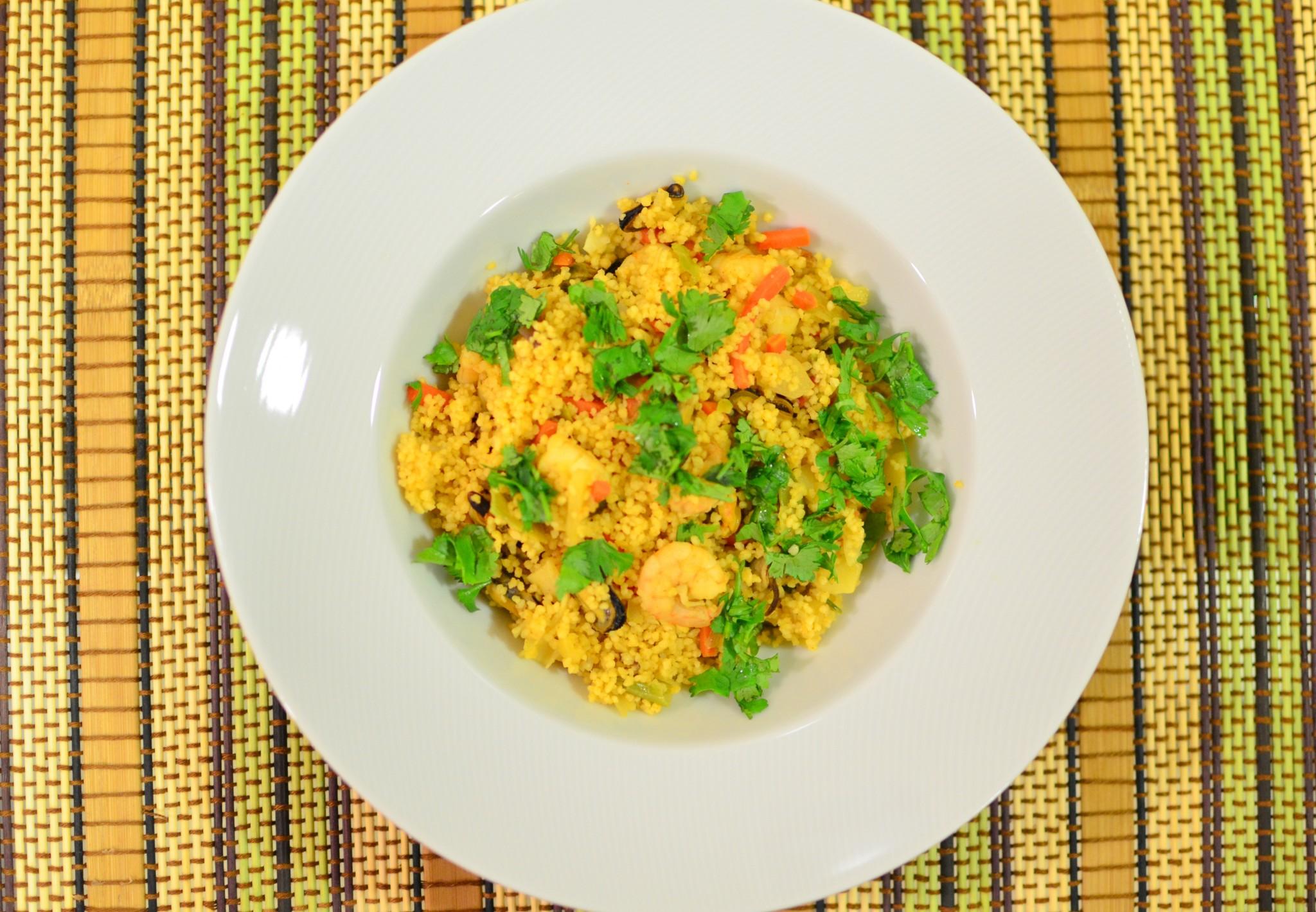 Salada quente de couscous e marisco